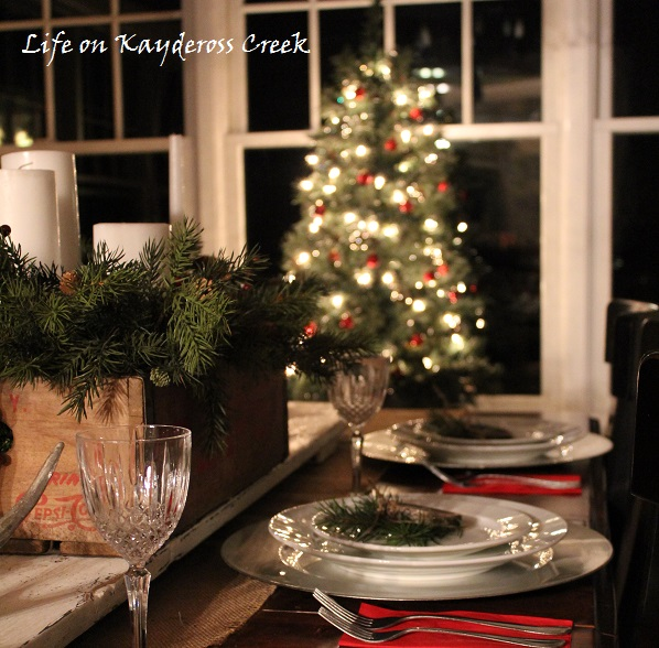Christmas Tablescape -Christmas Dining Room Tour - Simple rustic touches - Life on Kaydeross Creek