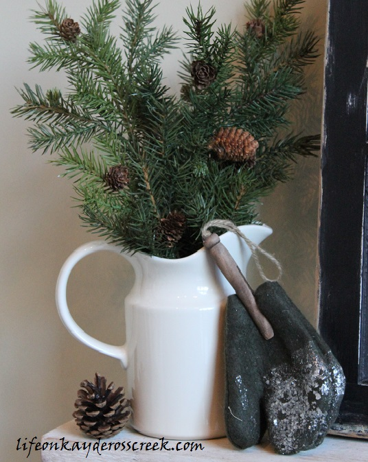 Bringing Christmas Home Tour 2015- Farmhouse Christmas - Christmas Details - Life on Kaydeross Creek