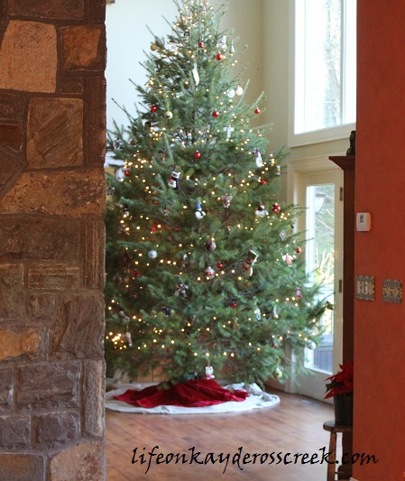 Bringing Christmas Home Tour 2015- Farmhouse Christmas - Christmas Tree - Life on Kaydeross Creek