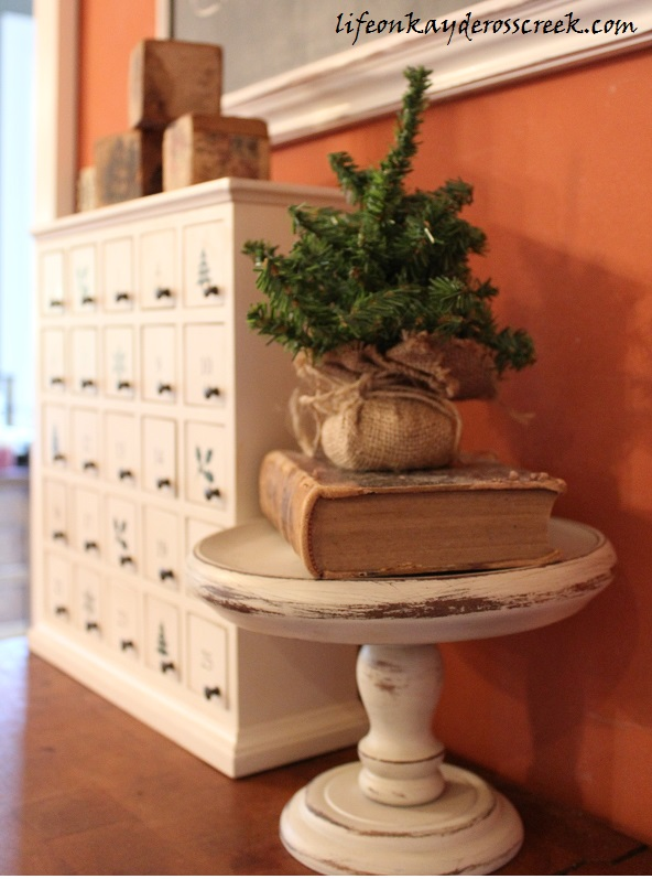 kitchen - pedestal tree