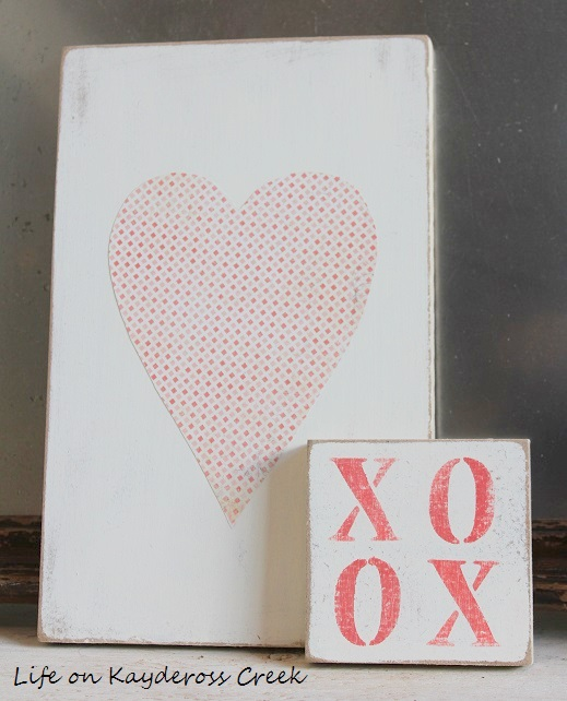Valentine's Vignette and DIY Banner - Life on Kaydeross Creek