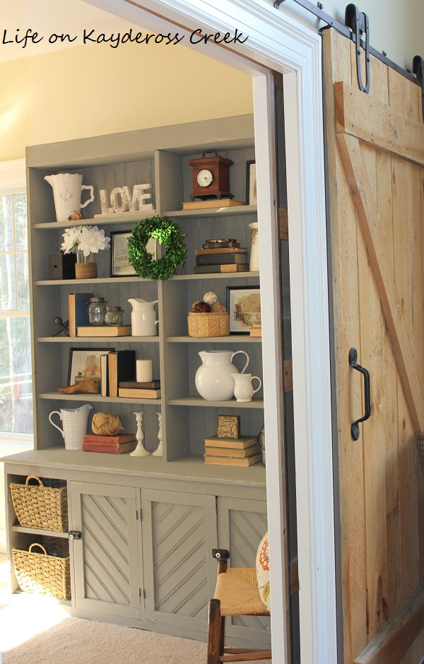 Pained Furniture -DIY Project - Farmhouse Furniture - Upcycled Furniture - Life on Kaydeross Creek