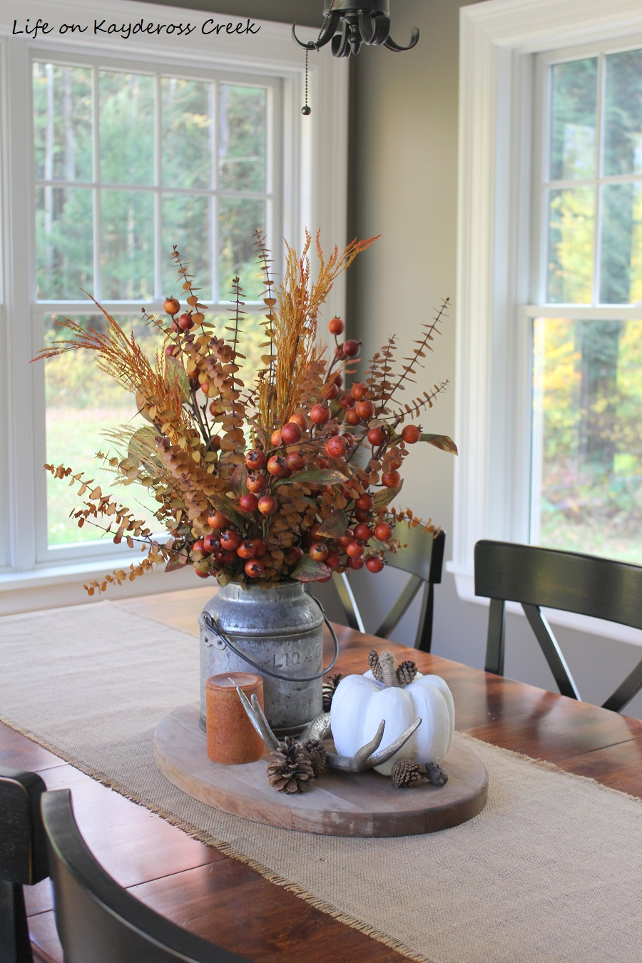 Farmhouse Fall Home Tour - Dining room centerpiece - Life on Kaydeross Creek
