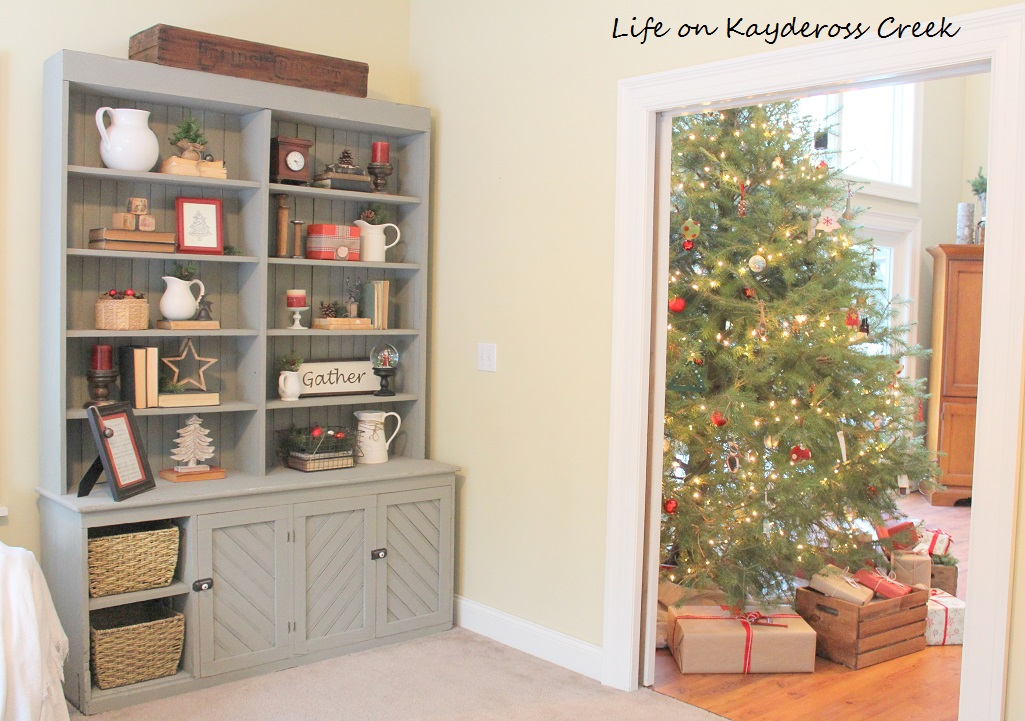 Antique Hutch Vignette - A Very Farmhouse Christmas - Life on Kaydeross Creek