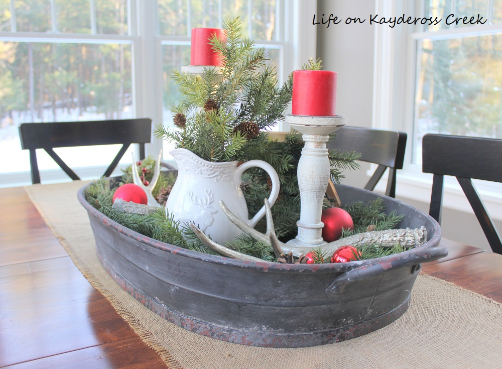 christmas kitchen and dining-room-farmhouse-christmas-home-tour-life-on-kaydeross-creek