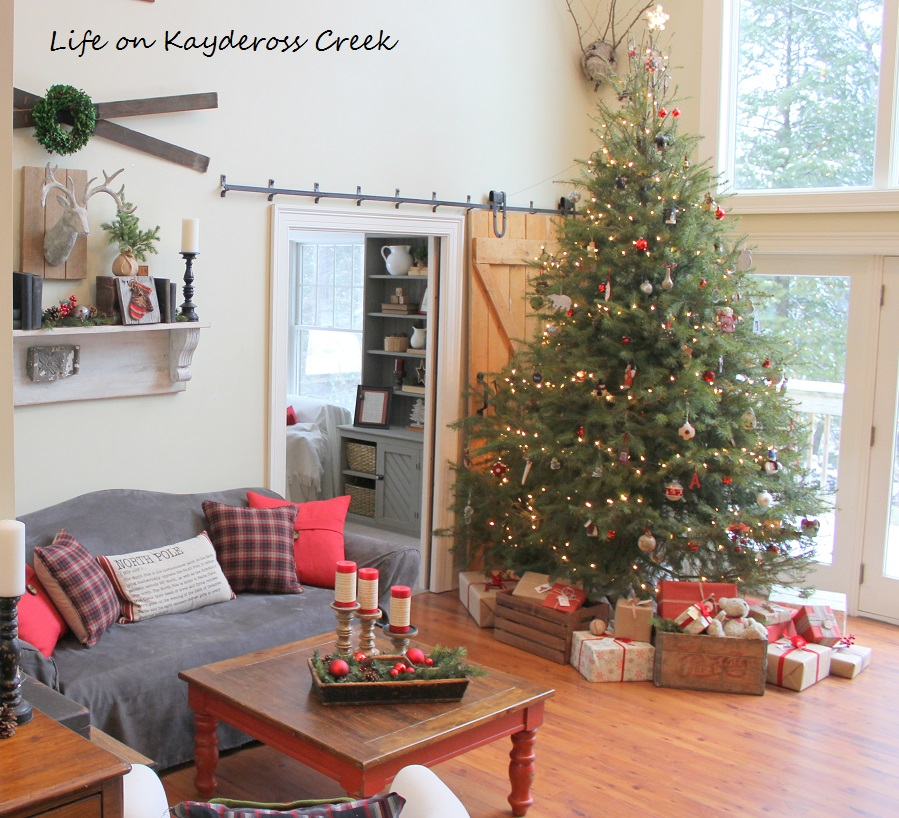 Family Room & Christmas Tree - A Very Farmhouse Christmas Home Tour - Life on Kaydeross Creek