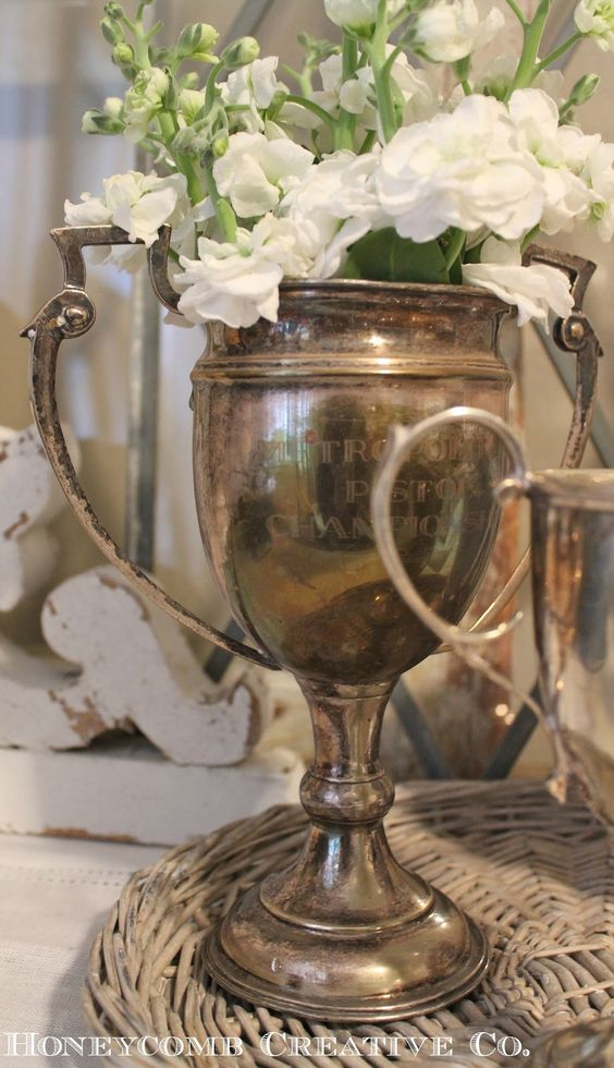 Creative Ways to display Farmhouse Flowers - Trophy - Life on Kaydeross Creek