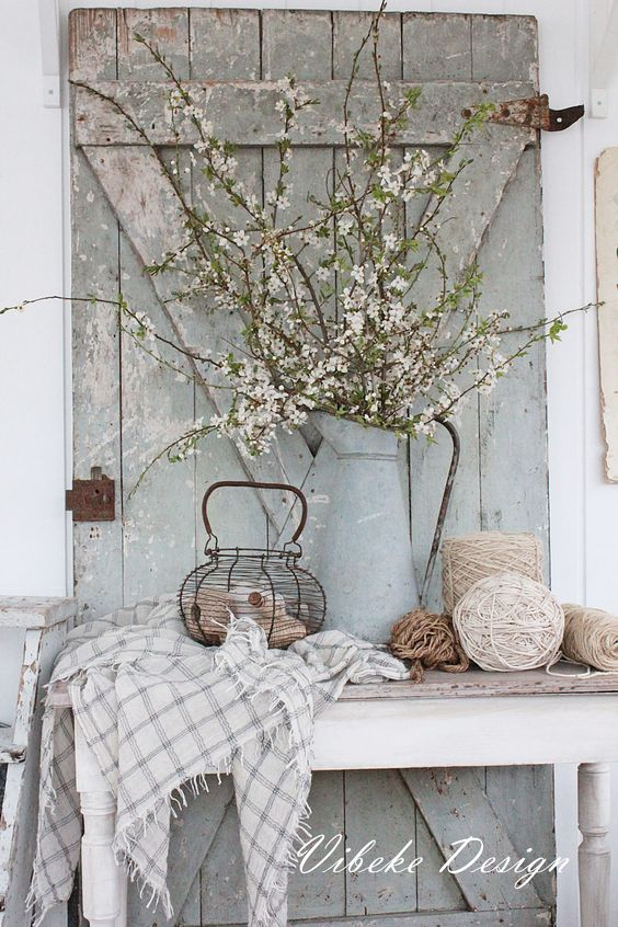 Blue Rustic Door - Spring Decor inspiration - Life on Kaydeross Creek