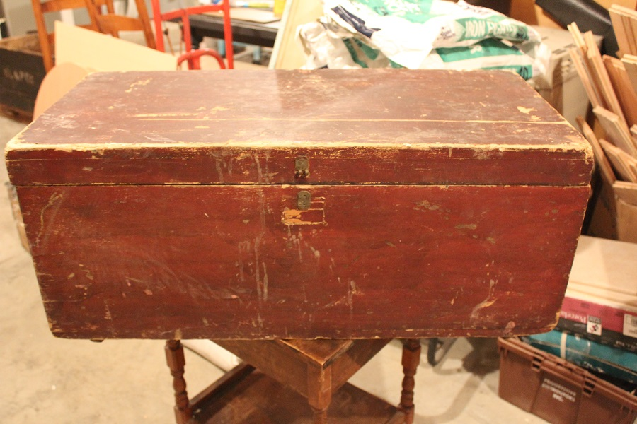Antique Trunk Makeover Before - Life on Kaydeross Creek