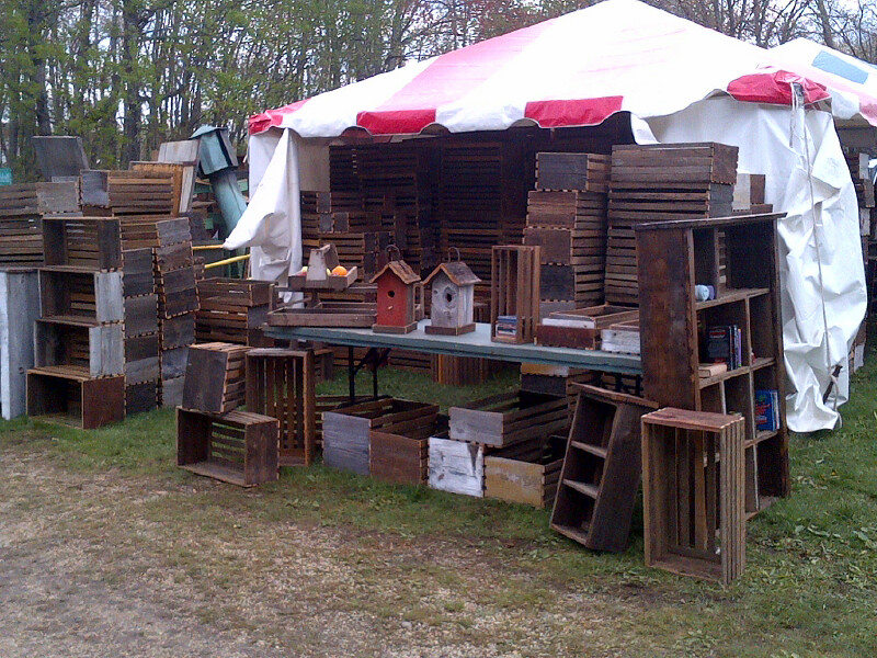 Brimfield May 2017 - Decorating with Flea Market Finds - Life on Kaydeross Creek