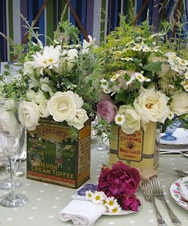 Creative ways to display flowers - vintage tins paired - Life on Kaydeross Creek