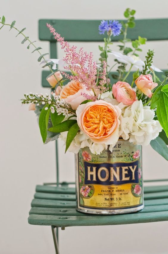 Creative Ways to display flowers - vintage tins - Life on Kaydeross Creek