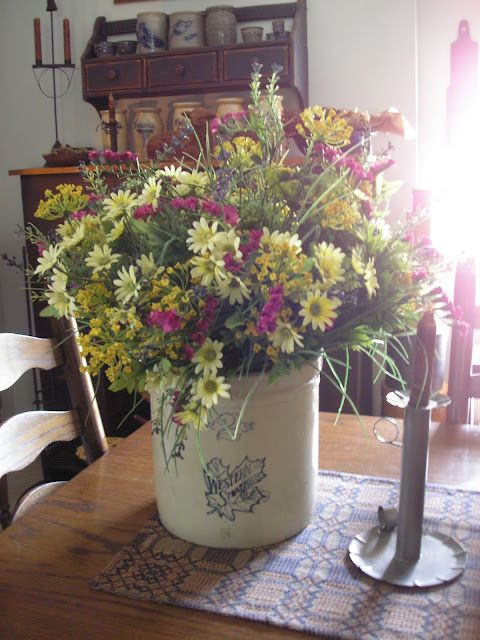 Creative ways to display flowers - western crock - farmhouse - Life on Kaydeross Creek