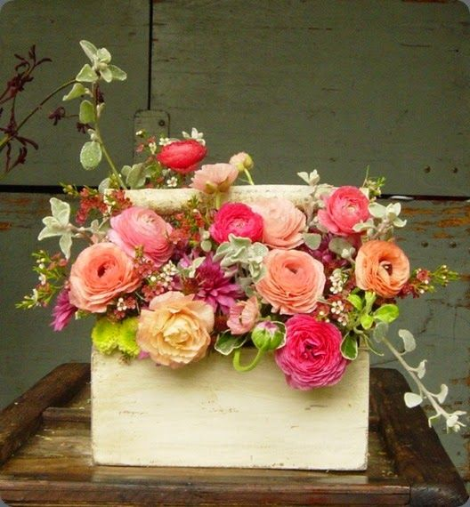 Creative ways to display flowers - tool box arrangements - farmhouse - Life on Kaydeross Creek