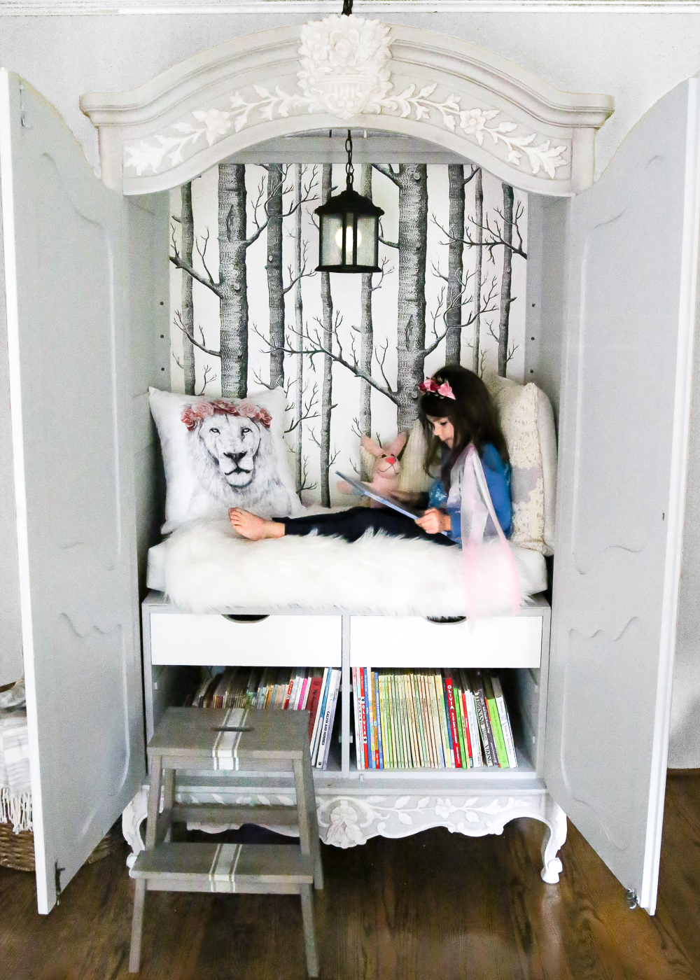 Narnia Inspired Reading Nook - Bless'er House - 30 Farmhouse Furniture Makeovers - Life on Kaydeross Creek