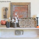 10 Tips to decorate shelves - Fall Home Tour - Shelf - Farmhouse - Life on Kaydeross Creek