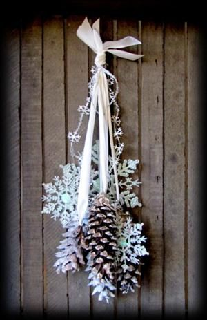 20 Alternatives to Wreaths for Fall and Winter - pinecone wreath with greens and icicles - Life on Kaydeross Creek