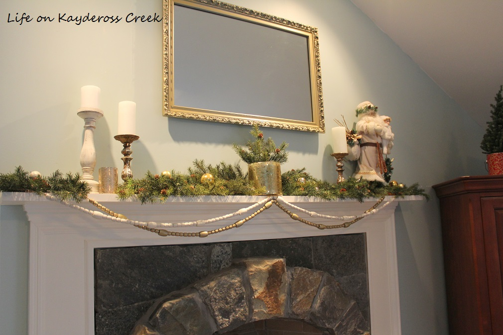 3 Easy DIY Christmas Decor Projects - Completed wooden garland - Life on Kaydeross Creek