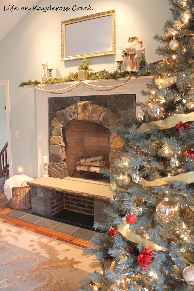 Christmas Tree Blog Hop - Master Bedroom - Life on Kaydeross Creek