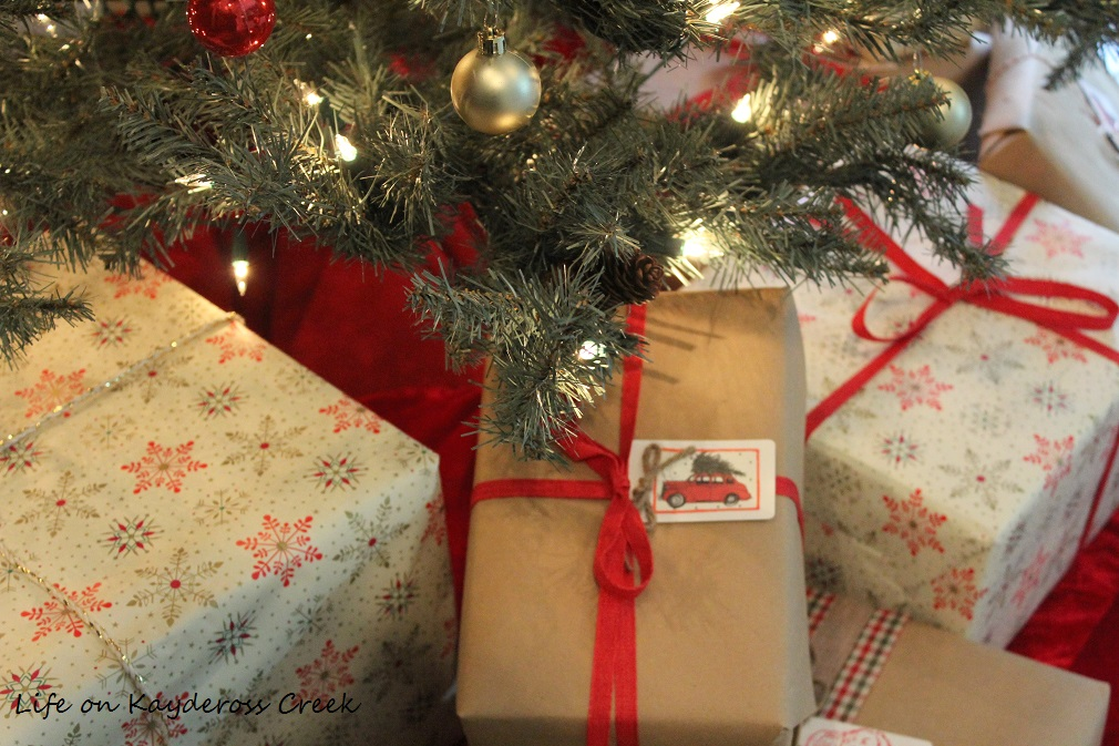 Christmas Tree Blog Hop - Master Bedroom tree and gifts - Life on Kaydeross Creek