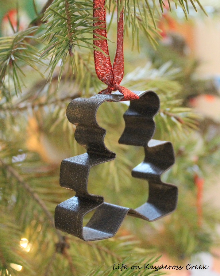 Classic Christmas Home Tour - DIY ornaments - Life on Kaydeross Creek