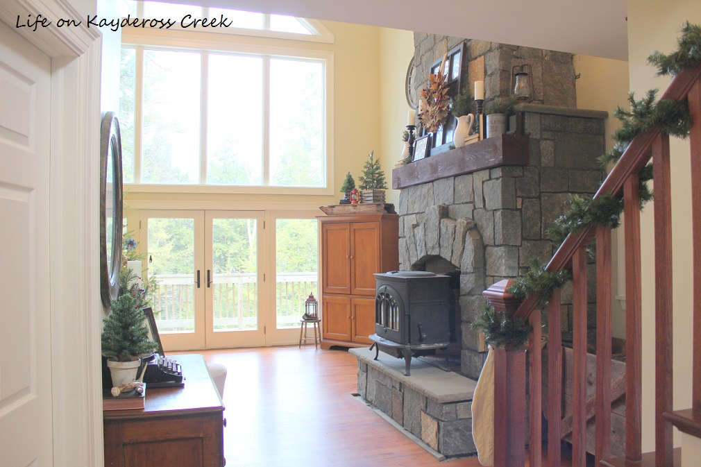 Classic Christmas Home Tour - Foyer - & Great room Life on Kaydeross Creek