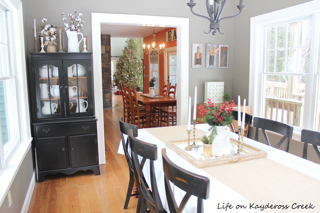 Classic Christmas Home Tour part 2 - Dining room - Farmhouse Christmas - Life on Kaydeross Creek