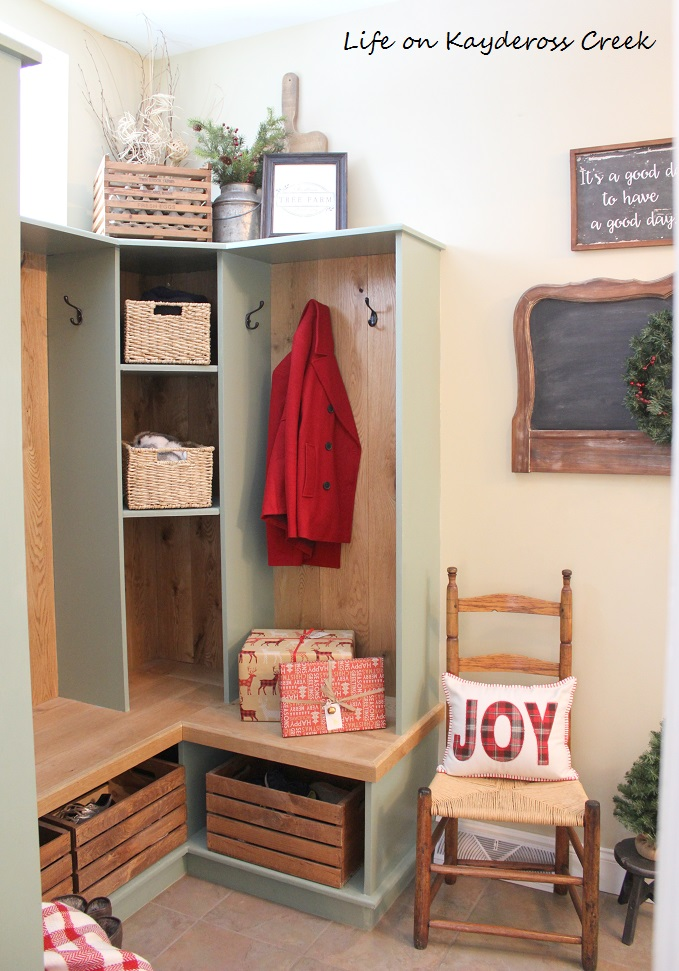 Classic Christmas Home Tour part 2 - christmas mudroom - farmhouse Christmas - Life on Kaydeross Creek